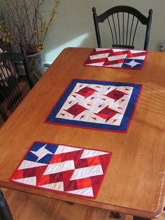 Flag placemats and sparkler table topper using X-block ruler - by Sue Michaels
