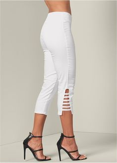Step into the perfect fit with VENUS women's pants. Shop the latest in leggings, colorful capris, pant suits, and stylish palazzos. Stylish Outfits For Women Over 50, Stylish Dresses, Capri Pants Outfits, Venus Clothing, Fashion Pants, Fashion Outfits, Simple Kurti Designs, Fashion Design Portfolio, Big Girl Fashion