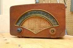 Zenith 8H034 Tube Radio