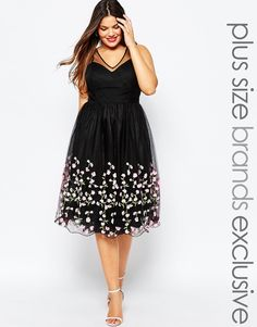 Plus size tulle dress with floral appliques – Plus size party dress – Plus Size Dress Plus Size Wedding Dresses With Sleeves, Plus Size Party Dresses, Plus Size Outfits, Xl Mode, Mode Plus, Chubby Fashion, Xl Fashion, Fashion Online, Steampunk Fashion