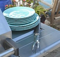 Cleaning a an outdoor wood or gas grill with a steam machine steam cleaner Barbecue Grill, Grilling, Green Bbq, Simple Green Cleaner, Bbq Grill Cleaner, Clean Grill, Grill Grates, Steam Cleaners, Cleaning Hacks
