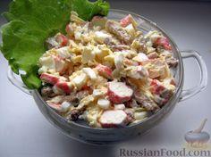 Салат с крабовыми палочками и сухарями
