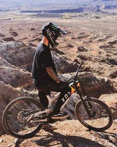 Ethan Nell I assumed as to what guided me to order a mtb, how long Bmx Bicycle, Mtb Bike, Road Bike, Cycling Art, Cycling Bikes, Cycling Quotes, Cycling Jerseys, Velo Dh, Rollers