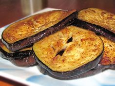 Pinch of Lime: Spicy Eggplant Rounds  Healthy eggplant recipe that is seasoned with a variety of spices.