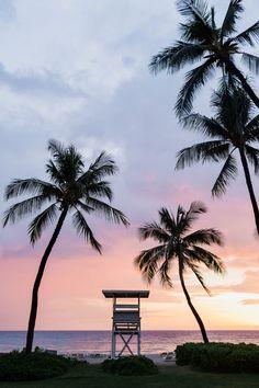 Warm sunset at the Mauna Kea Beach Hotel - Waimea, Hawaii Wedding. Kauai Wedding Photographers. Photo by: Sea Light Studios.
