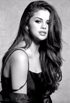 """Selena Gomez Looks Crazy Gorgeous in Her Music Video For """"Kill Em With Kindness"""""""