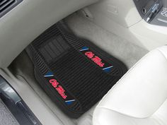 Deluxe Car Mats are perfect for anyone who is serious about their ride and team pride! Vinyl and dual ribbed carpet ensures a durable product that will last for years to come. Nibbed backing keeps mat