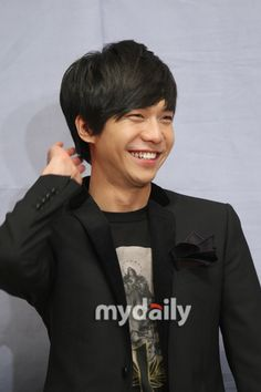 Lee Seung Gi tops Oricon with the release of his debut single #allkpop