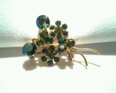 Vintage Juliana D&E ? Floral Two Tone Green /Blue Rhinestone Gold Brooch Pin