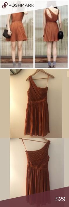 Club Monaco Frida Rust Pleated One Shoulder Dress Club Monaco Frida Rust Pleated Crinkle One Shoulder Cut Out Dress Size 4. Brand new! Club Monaco Dresses One Shoulder