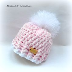 Another cute baby hat. this one's preemie size. all patterns free. Another cute baby hat. this one's preemie size. all patterns free. Crochet Preemie Hats, Newborn Crochet, Hat Crochet, Baby Girl Hats, Girl With Hat, Baby Girl Crochet, Baby Blanket Crochet, Baby Hat Patterns, Crochet Patterns