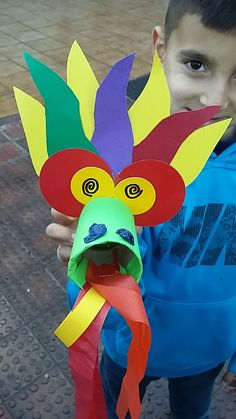 Mini Taller d'Art: Dragón Chino                                                                                                                                                                                 Más Chinese New Year Crafts For Kids, Chinese New Year Activities, Chinese Crafts, Diy For Kids, New Year's Crafts, Diy And Crafts, Arts And Crafts, Dragon Birthday, Dragon Party