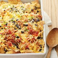 nachos.....making this right now for a late dinner for Me and the Mr!!