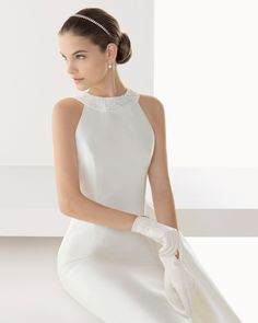 I love the clean lines that her dresses have. They look so buttery. | Rosa Clara