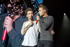 "One Direction on Twitter: ""Payno & Tommo #OnTheRoadAgain2015! ©"