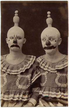 bizarre clowns