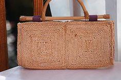 Vintage Handbags - straw clutch