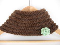 Mint Green Crochet Flower Brooch by matemo on Etsy, €3.00