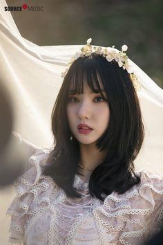 This girl has such an effect on my loins! Pretty Asian, Beautiful Asian Girls, Beautiful Dolls, South Korean Girls, Korean Girl Groups, Gfriend Yuju, G Friend, Jung Eun Bi, Korean Celebrities