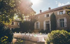Chateau de Lartigolle, cherish your time with friends and family. Personalised event venue, planning and service tailored to suit any size or type of event.