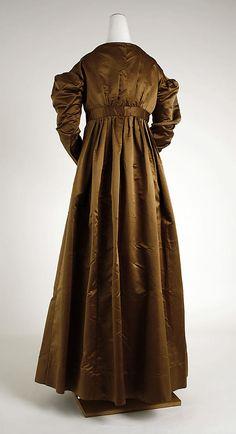 Metropolitan Museum of Art, item 1981.526 c1820 silk dress, american