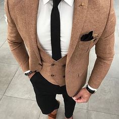 Me gusta, 23 comentarios - Men With Style (Christopher Garcia) en Instagra. Indian Men Fashion, Mens Fashion Suits, Mens Suits, Fashion Outfits, Fashion Menswear, Men's Fashion, Designer Suits For Men, Designer Clothes For Men, Tuxedo For Men