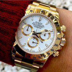 Rolex Daytona On Wrist Men Watches Rolex Daytona Gold, Rolex Daytona Two Tone, Rolex Daytona Watch, Rolex Cosmograph Daytona, Gold Rolex, Rolex Submariner, Diamond Rolex, Black Rolex, Stylish Watches