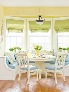 Pair Yellow and Blue for an Undeniably Sunny Room