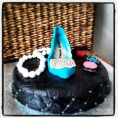 #cake #manolo #blahnik #shoe #carrie #fashion #lipstick #pearl cake for my friend Baru :))