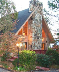 Nestled in the trees at the crest of the mountain, the Foxtrot Bed and Breakfast offers spectacular views of Mt. Leconte and the Great Smoky Mountains.