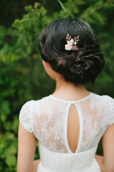 delicate hair pin, photo by Brooke Courtney Photography http://ruffledblog.com/shenandoah-valley-wedding #weddinghair #bridal #bridalhair