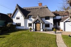 5 Bed Grade II Listed Thatched Cottage with 1 Bed Annex in Little Dunmow.