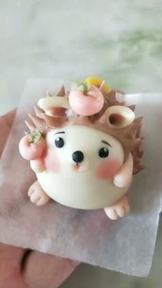 Clay Crafts For Kids, Food Crafts, Cake Decorating Techniques, Cake Decorating Tutorials, Polymer Clay Crafts, Diy Clay, Fondant Cake Toppers, Fondant Owl, Fondant Cupcakes