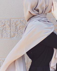 Luxurious chiffon hijab from www.thehijabcity.com. FREE US shipping