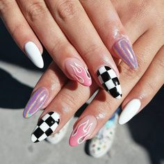 40 Awesome flame nails ideas, There are blue flame or yellow flame or black flame and more. These flame nails ideas are so cool and stunning that you will love them all. Grunge Nails, Edgy Nails, Pointy Nails, Fancy Nails, Stylish Nails, Bling Nails, Swag Nails, Gel Nails, Trendy Nails