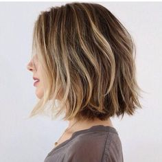 21 Textured Choppy Bob Hairstyles: Short, Shoulder Length Hair layered choppy bob haircut for summer Choppy Bob Haircuts, Layered Bob Hairstyles, Cool Hairstyles, Choppy Bobs, Choppy Bob For Thick Hair, Choppy Bob Hairstyles For Fine Hair, Thin Hair, Hairstyles Haircuts, Wavy Hair