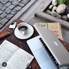 #peoplescreative#tablesituation #travelessentials #flatlay#design #simplicity #minimal #simplicity#theminimalist #minimalsetups #work#workspace #workspacestyling #study#office #interiors #interiordesign#homeoffice #workspaceinspo #desk#deskstyling #deskgoals #style#homedesign #designporn#interiorinspo #studio #studiolife#workspacewednesday #designer repost @gomobileanywhere