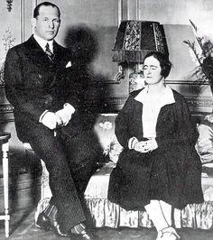Elizabeta 1924 King George Ii, Greece History, Greek Royalty, Greek Royal Family, Royal Monarchy, Queen Victoria Family, Queen Sophia, Prince, Royal Queen
