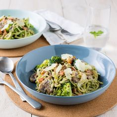Spinach Spaghetti with Bacon and Broccoli Broccoli, Spinach, Easy Weeknight Dinners, Tasty Dishes, I Foods, Food Inspiration, Cabbage, Bacon, Spaghetti