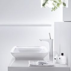 Splash Galleries Hansgrohe PuraVida Single Hole Faucet in 3 spout heights, Chrome and White/Chrome. Raleigh, NC Kitchen & Bath Showroom 919-719-3333.