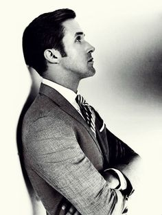 Ryan Gosling suit and tie.. classic!