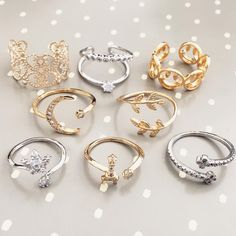 The hip hop jewelry fashions bear full testimony that this statement is true. As per the definition of the hip hop jewelry Jewelry Tags, Cute Jewelry, Modern Jewelry, Jewelry Accessories, Princess Cut Diamond Earrings, Thick Gold Chain, Tattoo Und Piercing, Cute Rings, Diamonds And Gold