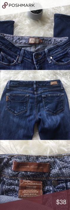 "Paige Jeans Laurel Canyon Bootcut 25 These jeans are in good used condition with minor fading from wash and minimal fraying/wear at bottom hem as clearly visible in photos. Lower rise, 30.5"" inseam. Any questions, please ask! Paige Jeans Jeans Boot Cut"