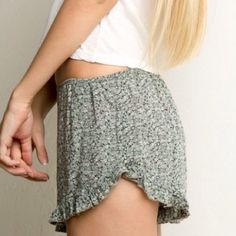 Brandy Melville green floral vodi shorts Super comfy and cute! Never worn! Cotton & viscose material. Rare print! Brandy Melville Shorts