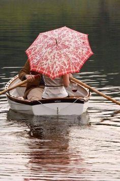 True Love Couples, Enchanted Home, Enchanted Evening, Umbrellas Parasols, Under My Umbrella, Red Umbrella, Perfect Day, Foto Art, Simple Pleasures