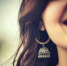 Stylish earings dpz for girls - Sari Info Jewelry Design Earrings, Girls Earrings, Bridal Earrings, Bridal Jewelry, Silver Jewelry, Cute Girl Poses, Girl Photo Poses, Girl Photography Poses, Sunset Photography