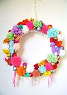 Candy coloured Christmas wreath van SillyOldSuitcase op Etsy, $49.80