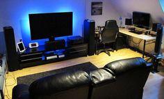 me gustaría un sótano con una sofa, una televisión, una sillion, y los consolas de juegos. me gustaría mi sótano ser calo, pequeño, y comodo.