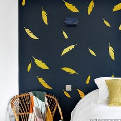Feather Wall Decal / 72 Feathers Sticker / Home decor / Office Decor / Nursery Wall Decal / gift Wooden Living Room Furniture, Wall Texture Design, Wall Paint Patterns, Wall Painting Decor, Wall Paintings, Modern Wall Decals, Creative Wall Decor, Bedroom Wall Designs, Nursery Wall Stickers