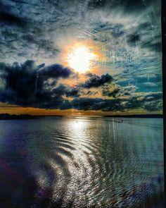 Reposting @kaikela: Seaview. - - #sunset_ig #sunsetporn #sea #auringonlasku #landscapelovers #seascape #seaview #maisema #meri #helsinki #finland #pilvet #cloudstagram #picofday #sunset_hub #finland_bestsunset #photography #ig_europe #ig_finland #igers #sunsetcolors #skyporn #sky